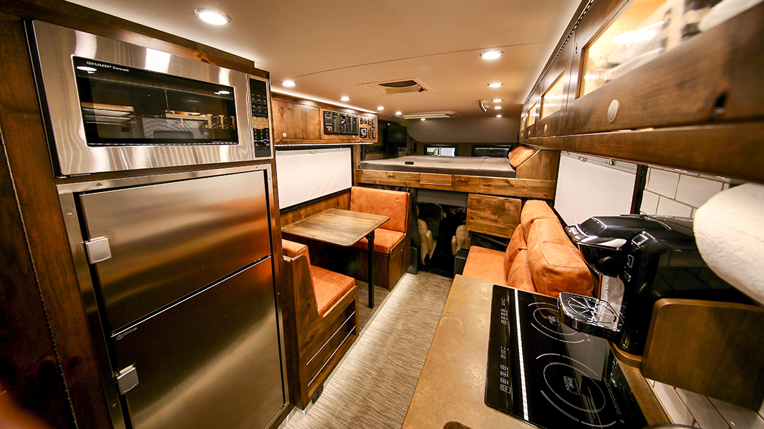 EarthRoamer: The Super High-End RV Unlike Any Other