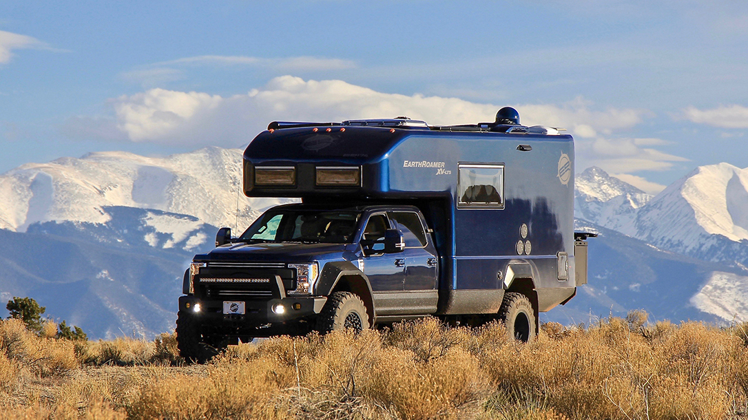 EarthRoamer XV-LTS RV mountains