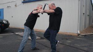 Shoulder Stop, self-defense, hammer, step 5