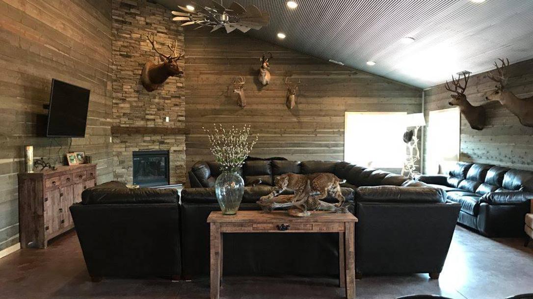 High Bar Homestead Wyoming, Lauren Young, living room