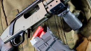 Black Aces Tactical DT Shotgun, 12-gauge shotgun, magazine
