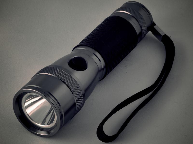 VBOB, Flashlight & Extra Batteries