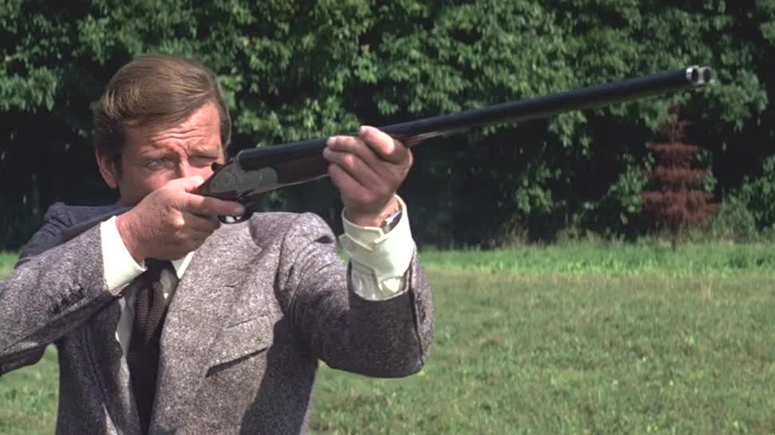 Moonraker, Holland Royal Double-Barreled Shotgun