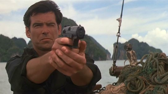 Pierce Brosnan, James Bond, Tomorrow Never Dies, Walther P99