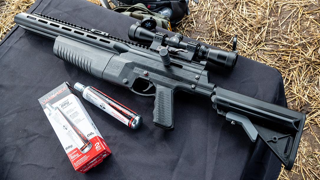Arrow Shooting Rifle, table, CO2 cartridge