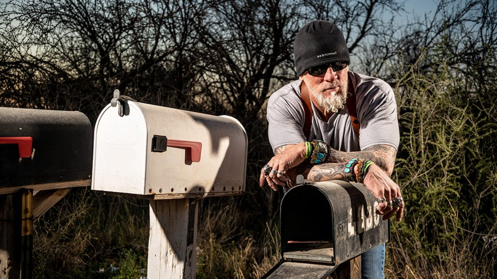 Hells Angels, undercover agent, mailbox