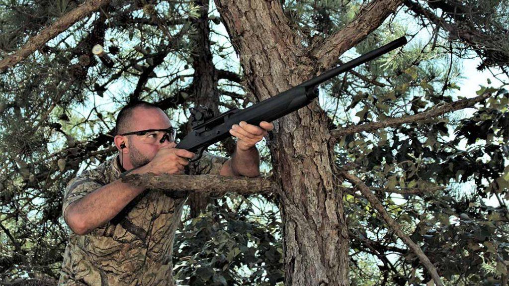 Mossberg 930 Slugster shotgun, deer hunting