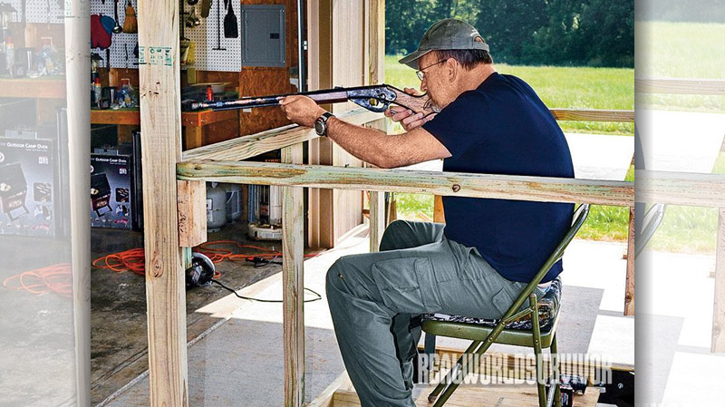 Before finalizing the height and width of the shooting openings, using the chair that will be used in the blind, check it out while being framed.