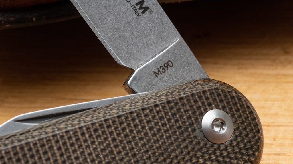 The hero of the Malga 6 story is the high-quality, M390 blade with superior edge retention.