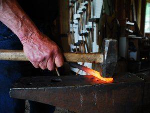 17 Secrets to the Fine Art of Blacksmithing hammer lead