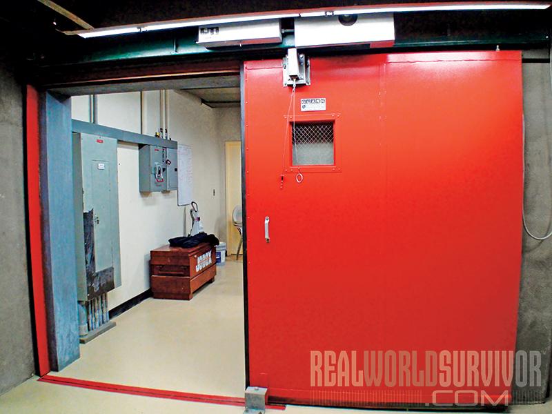 Vivos interior pressure door