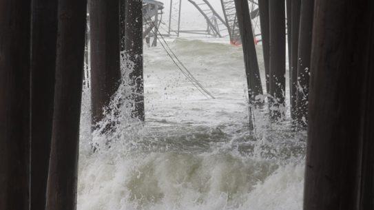 hurricane causes massive waves