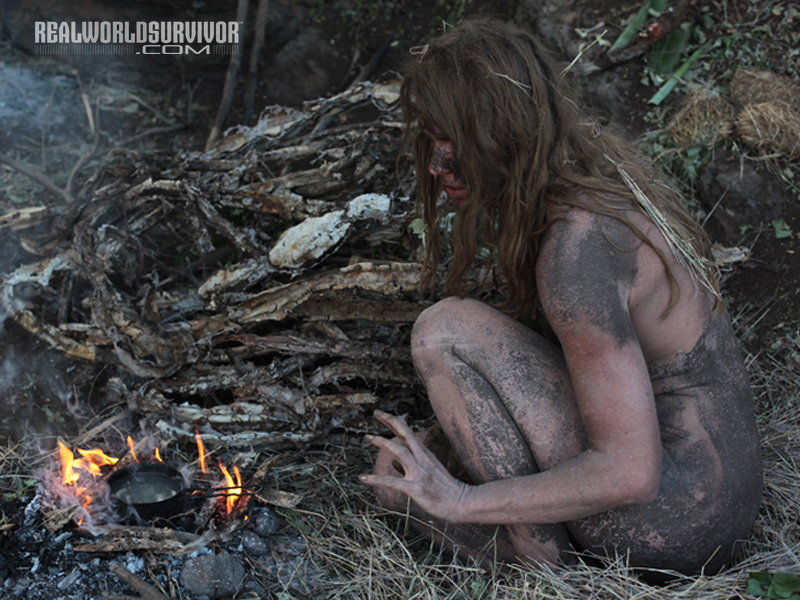 Predogled Surviving the Elements On Naked And Afraid-5734
