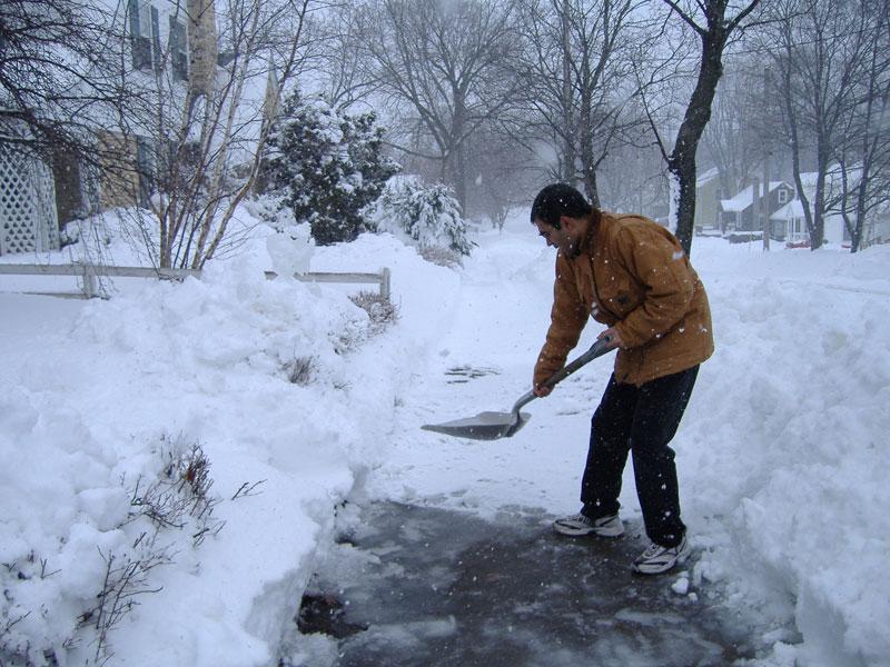 snow shoveling safety tips