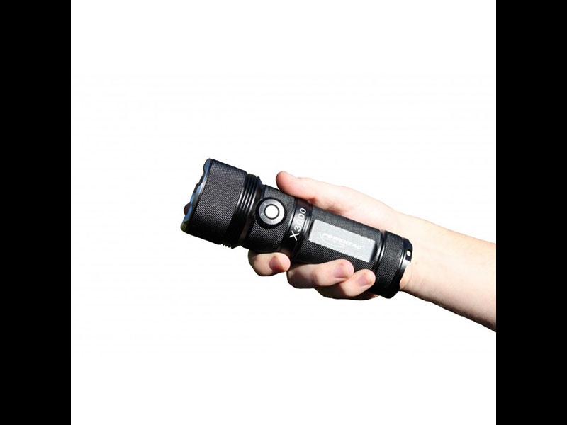 Powertac X3000 flashlight