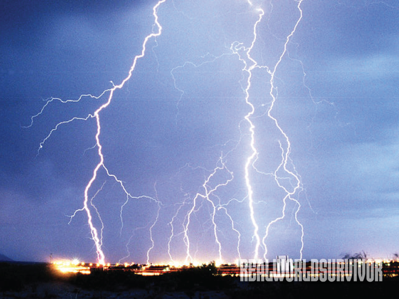 Must-Know Tips on How to Survive Thunderstorms and Lightning