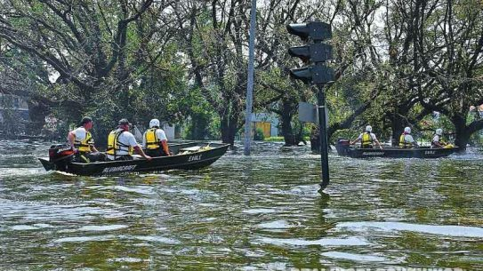 rising flood water, hurricane, emergency