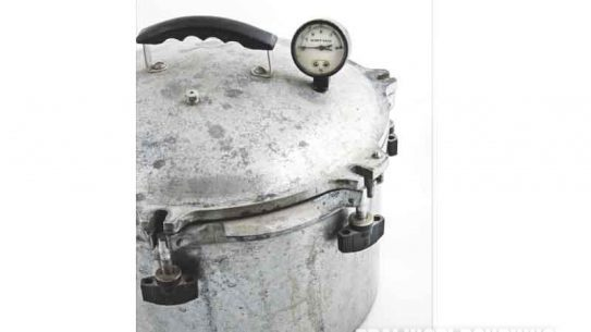 pressure canner, pressure cooker, pressure canner tips, pressure canner safety, pressure canner photo 2