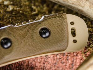 TOPS Knives Kodiak JAC screw