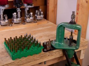 Reloading tray for handloading