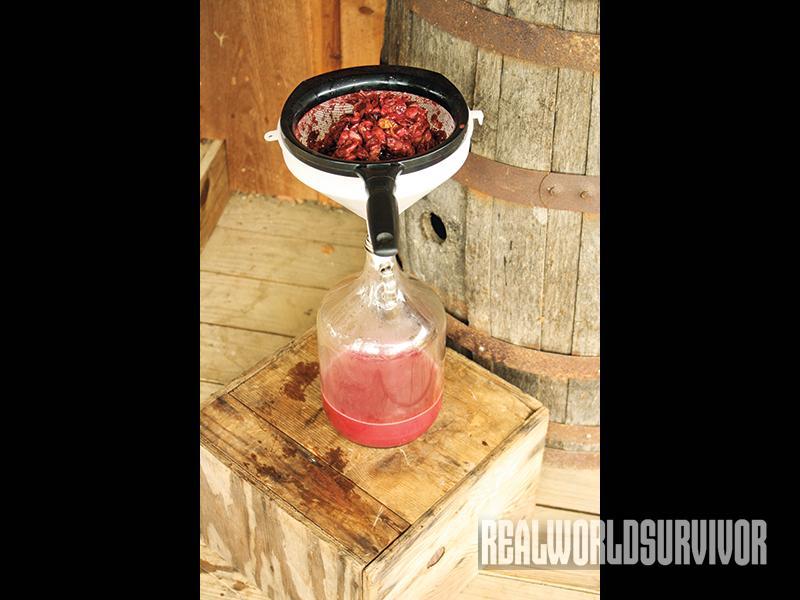 winemaking, racking juice, at home winemaking