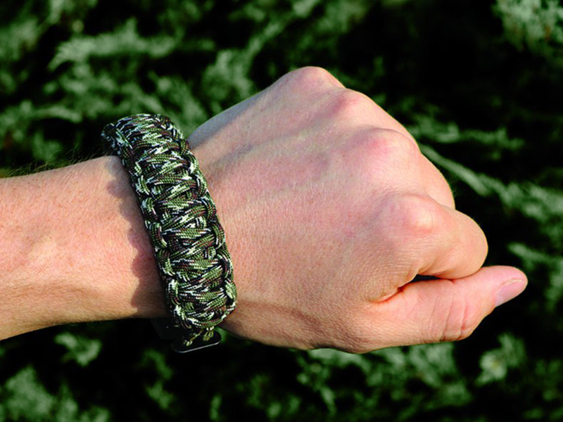 Outdoor Edge Para-Claw wrist