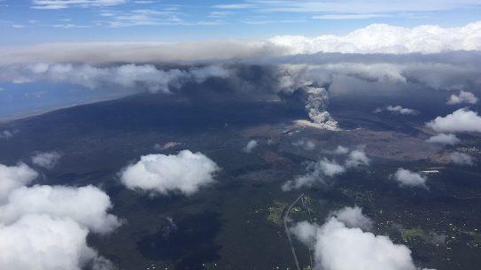 Kilauea eruption, ash plume, 9,500 feet.
