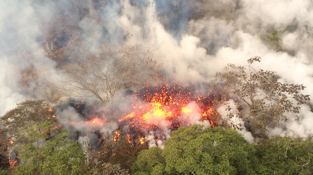 lava splattering, between fissures 16 and 20, Kilauea eruption, Hawaii