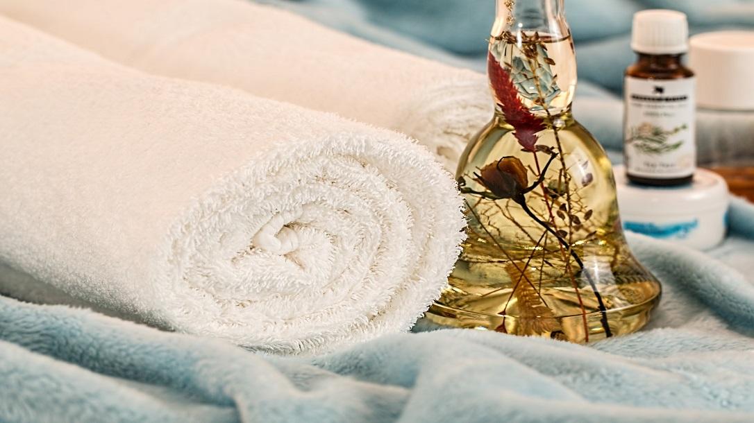 essentials oils off-grid hygiene, towel