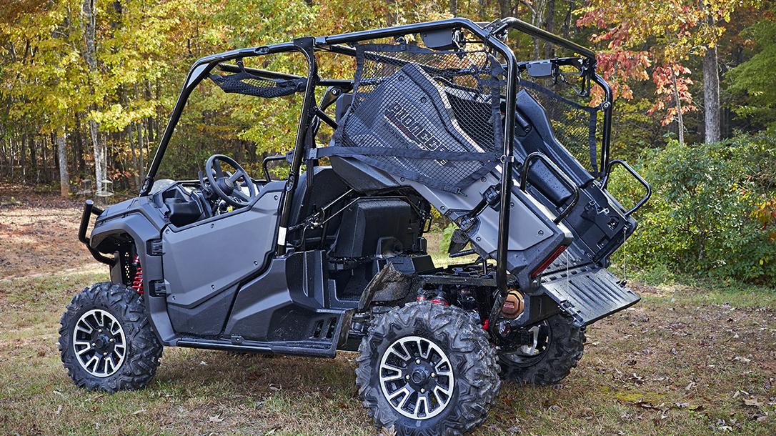 Honda Pioneer 1000-5 LE bed dump