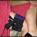 Women's Thigh Holster | Black on Right Thigh
