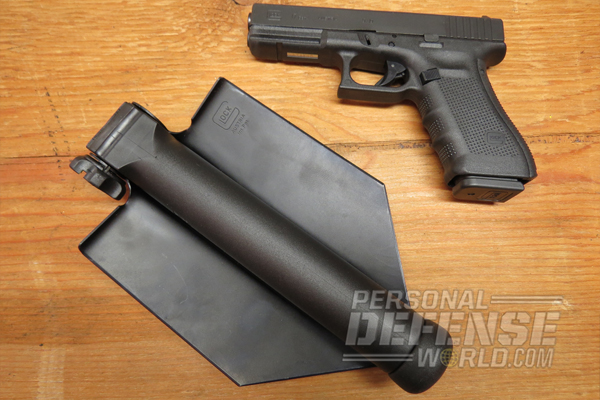 GLOCK E-Tool and G17 Pistol