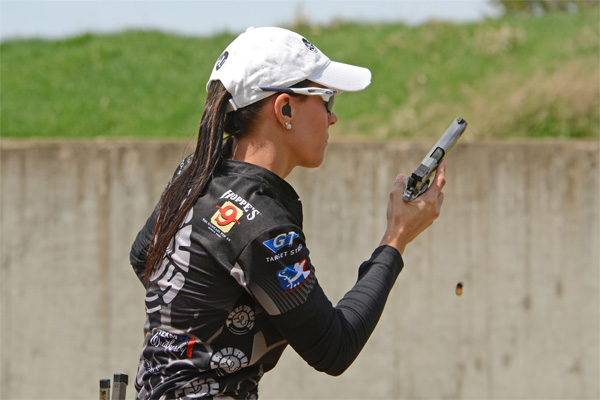 Uncle Mike's Pro Shooter Jessie Duff