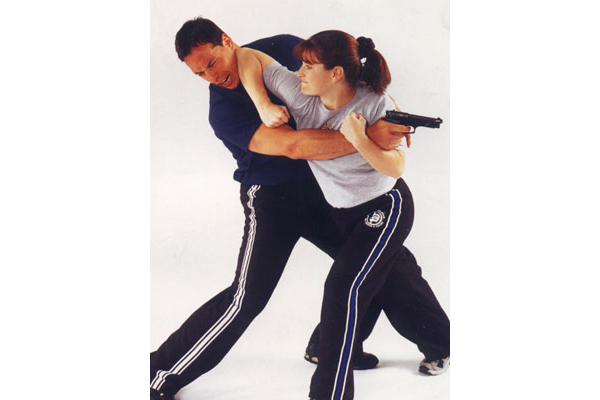 The Charlottesville Sheriff's Office in Virginia hosted a self-defense class last weekend. (Photo: http://sbgi-pdx.com/krav-maga-defense)