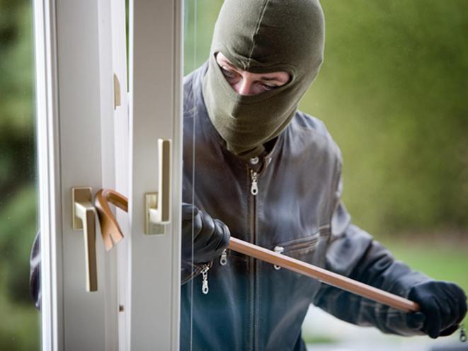 texas, texas homeowner intruder, texas burglary, burglar, intruder, shoots intruder