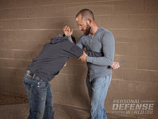 condition yellow, self-defense tactics, self defense, avoid danger, avoiding danger, avoid being a victim