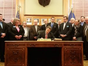 Kansas Constitutional Carry, constitutional carry, kansas governor constitutional carry