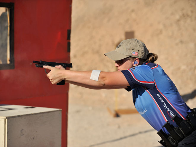 julie golob, smith wesson julie golob, smith & wesson, smith & wesson julie golob, everyday carry