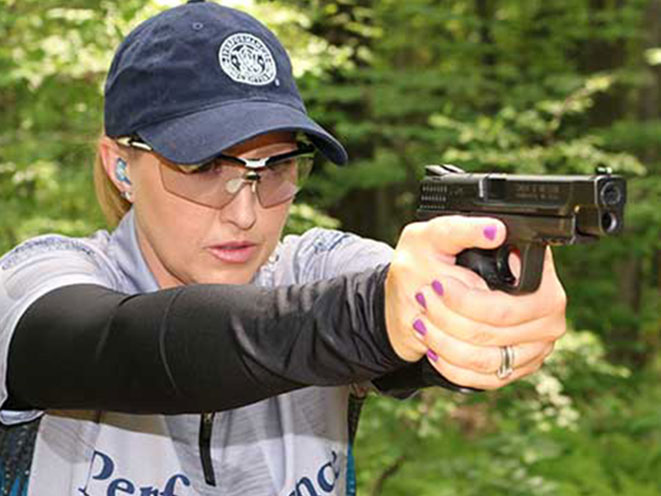 SMITH & WESSON, TEAM SMITH & WESSON, SMITH & WESSON 2016, JULIE GOLOB