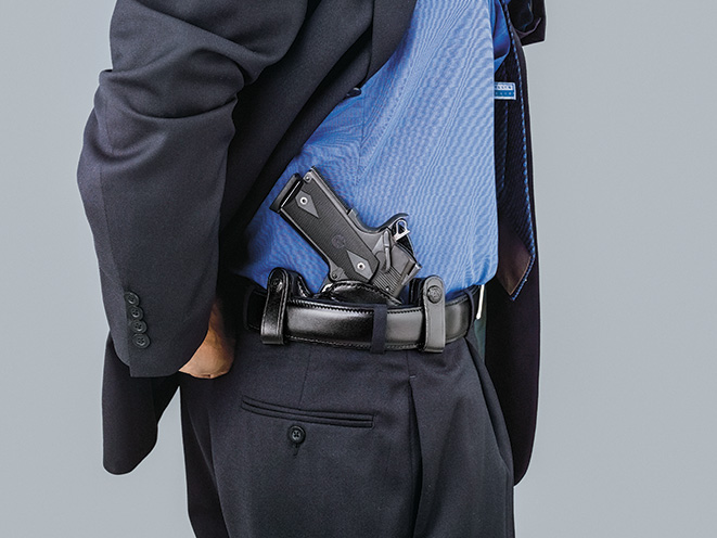 holster, holsters, full-size pistol, full-size handgun, handgun, handguns, pistol, pistols, galco v-hawk