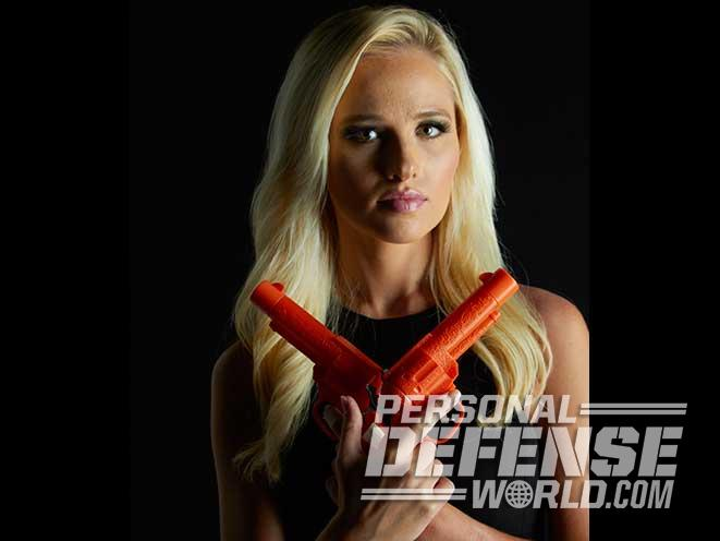 Tomi Lahren, TheBlaze, double guns