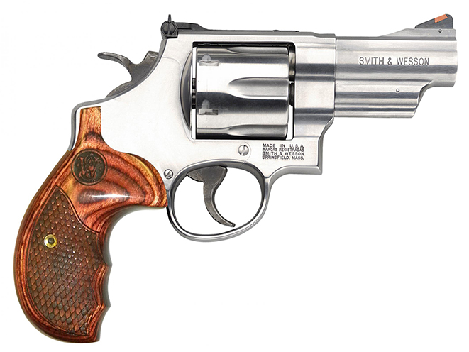 Smith & Wesson Model 629 Deluxe new revolvers