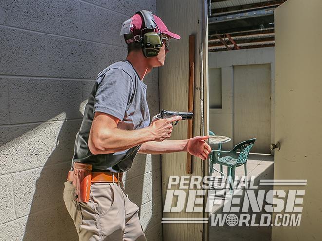 nighthawk browning hi-power gunsite 250 pistol shoothouse
