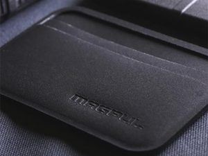 Magpul DAKA Everyday Wallet angle