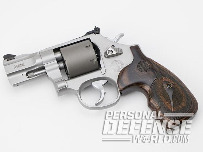 Smith & Wesson Performance Center Model 986 revolver left profile