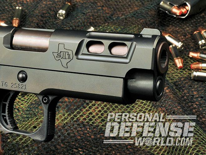 STI DVC Carry pistol lightning cuts
