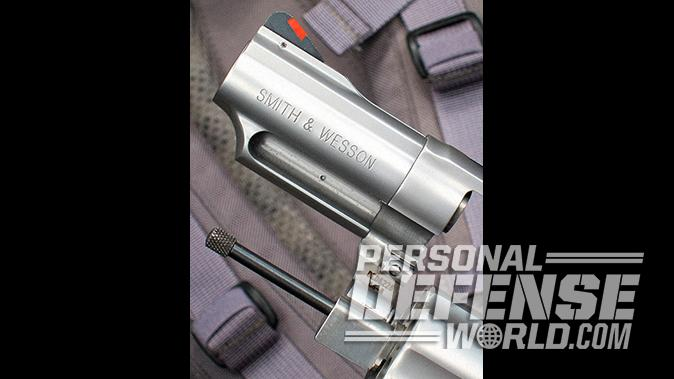 smith wesson Model 66 Combat Magnum revolver front locking plunger