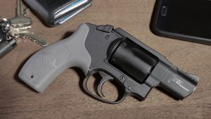 smith wesson m&p bodyguard 38 revolver beauty