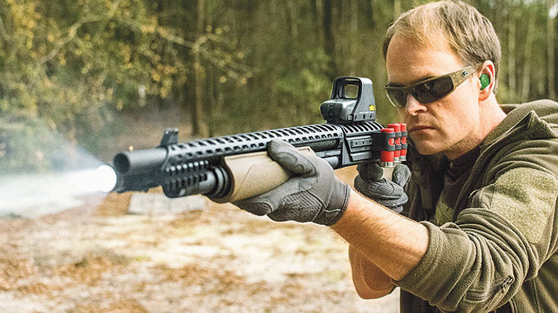 Tennessee Home Invasion, aiming shotguns