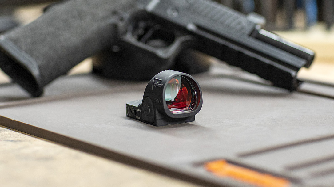Trijicon SRO red dot optic, sight